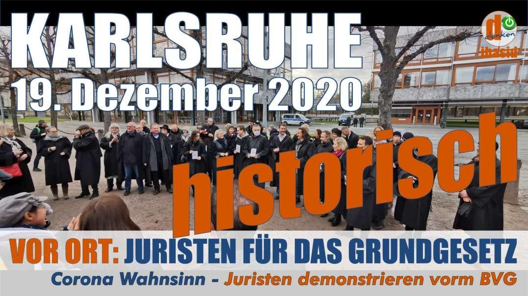 VOR ORT: 19.12.2020 Karlsruhe: historisch einmalig - Anwälte demonstrieren in Robe vorm BVG