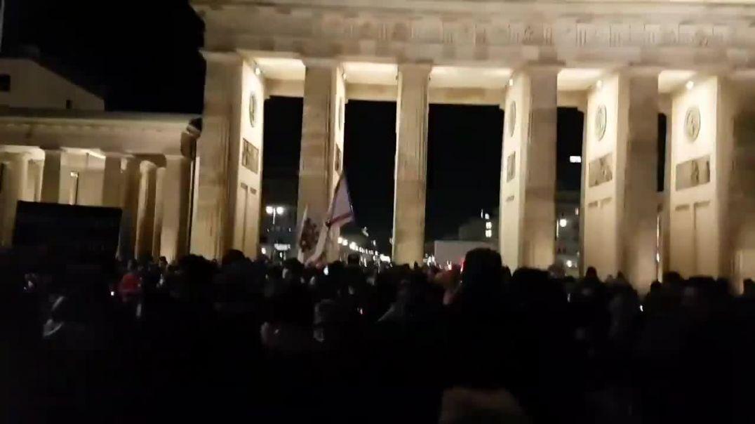 Wien hat Berlin wachgeküsst! #310121