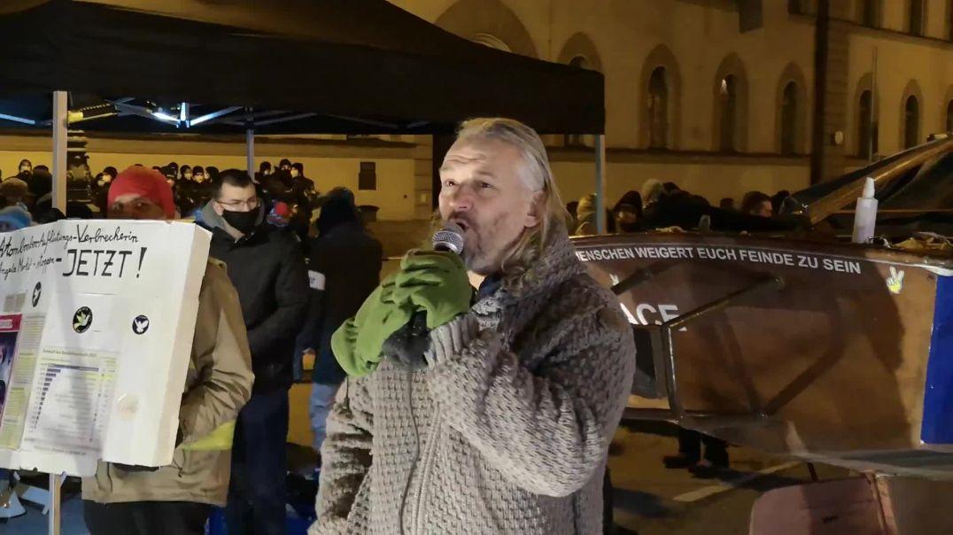 Rolf Kron zur Hausdurchsuchung Demo München 24.01.21 Unzensierte Version