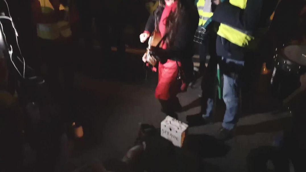 Demo Freilassing Musikeinlage Perin Dinekli 06.02.21