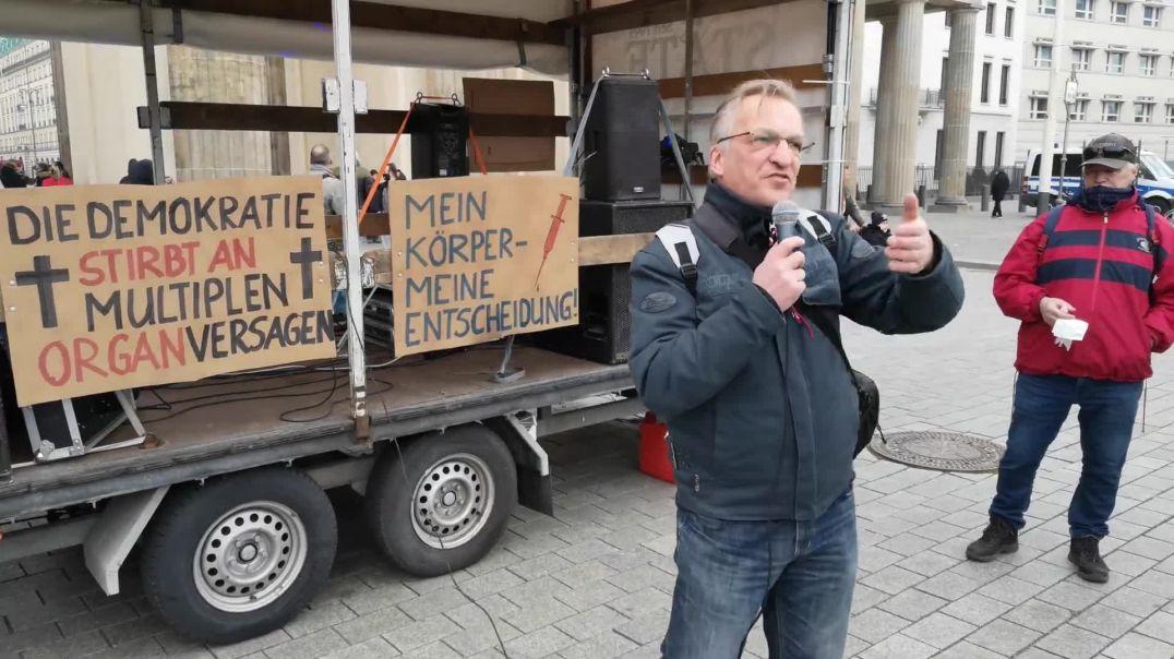 Heinrichs Gedanken Demo Berlin Brandenburger Tor 03.04.21