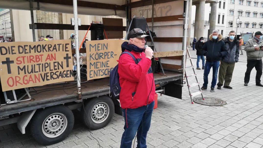 Es geht um unsere Kinder - Demo Berlin Brandenburger Tor 03.04.21
