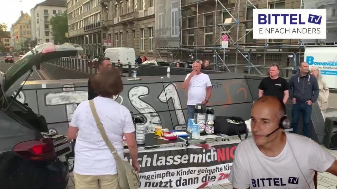 LIVE - BUSTOUR - DÜSSELDORF - VORGLÜHEN - Teil 1